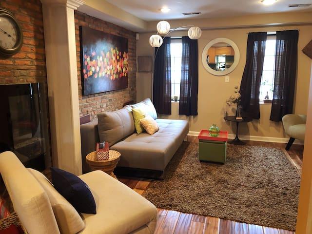 Unique Home Near Harbor & Fells Pt