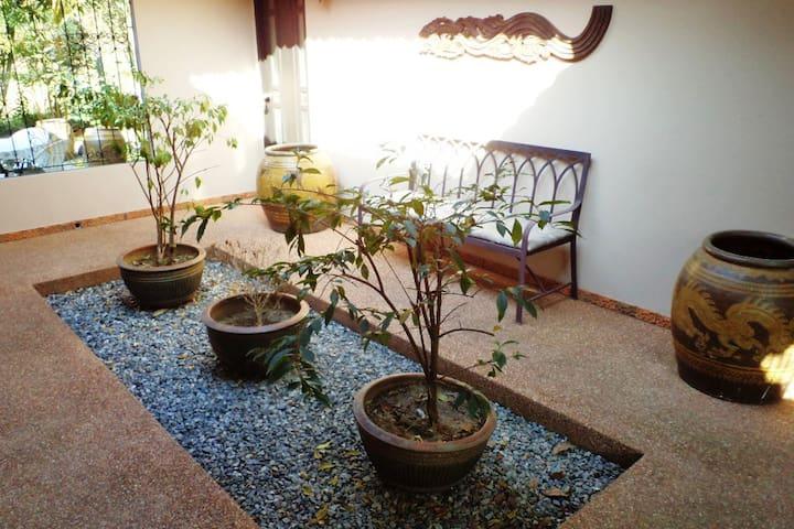 Sunny Garden Kinkala 4BDR Villa (Shared Pool)