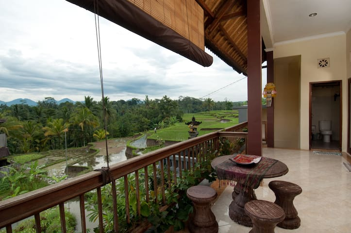 Dukuh Village Homestay 'Di Atas' - Tegallalang - Bed & Breakfast