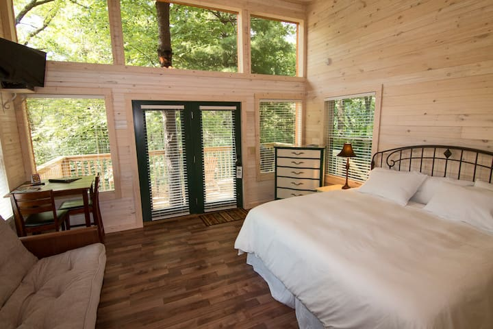 #1 White Pine living space