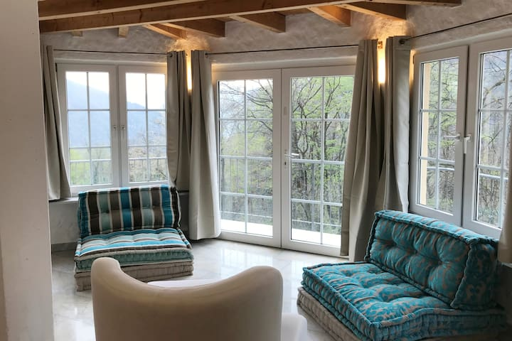 Romantic Suite with view on the forest