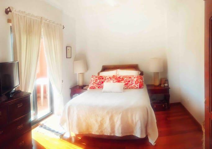 Suite (Main room)