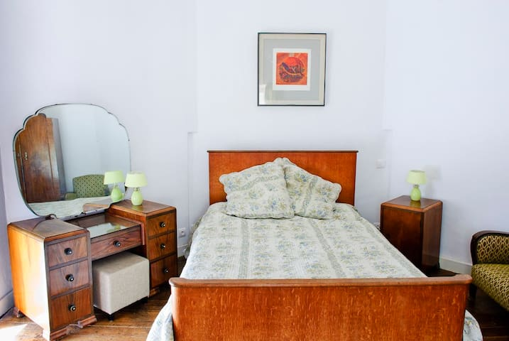 Beamed Suite  & Governess Room - Saint-Martin-Terressus - Castell