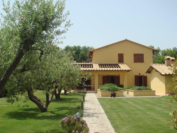 Wonderful Pool Villa in Capalbio