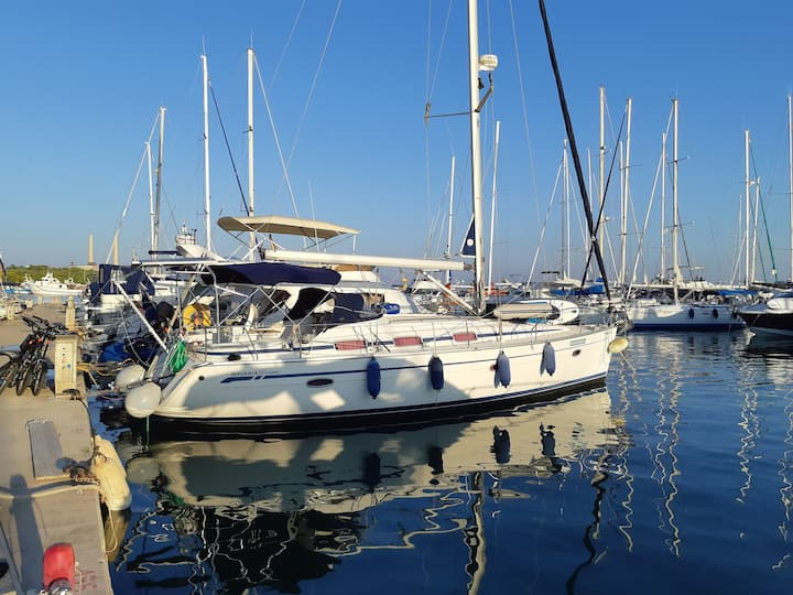 Cozy yacht in Puerto de Alcudia.