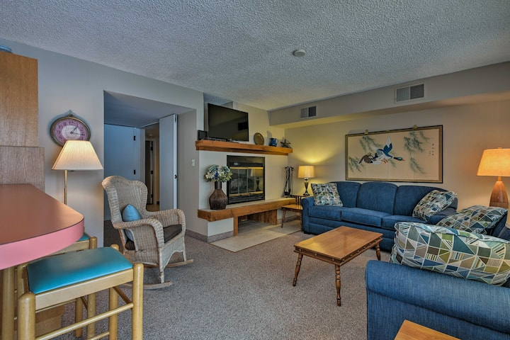 Lakefront Lake Harmony Condo w/ View Near Skiing!