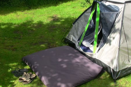 Double Air-mattress in Tent with access to house - Hampen