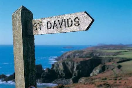 Welcome / Croeso - St David's