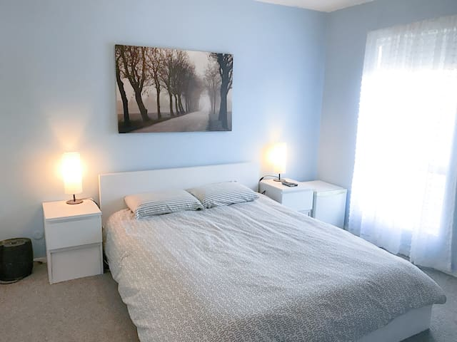 Private Bedroom and Bathroom in Weho / Bev Hills - Los Angeles - Lejlighed