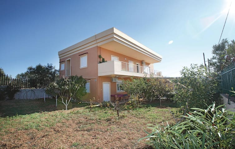 Holiday apartment with 4 bedrooms on 130 m² in Agia Marina