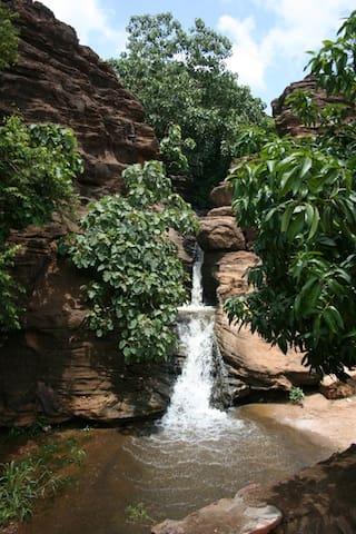 Villa sur 2 niveaux  jardin avec manguiers - Bamako