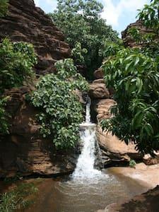 Villa sur 2 niveaux  jardin avec manguiers - Bamako - Haus