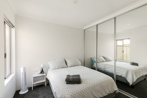 Perth Vacation Homes @ Willetton