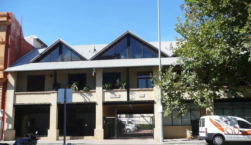 The Fremantle Town house - Fremantle - Reihenhaus