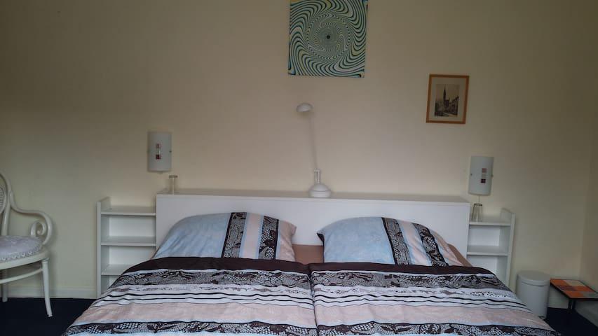 Apartment 2 Zimmer mit Gartenblick - Lübeck - Bed & Breakfast