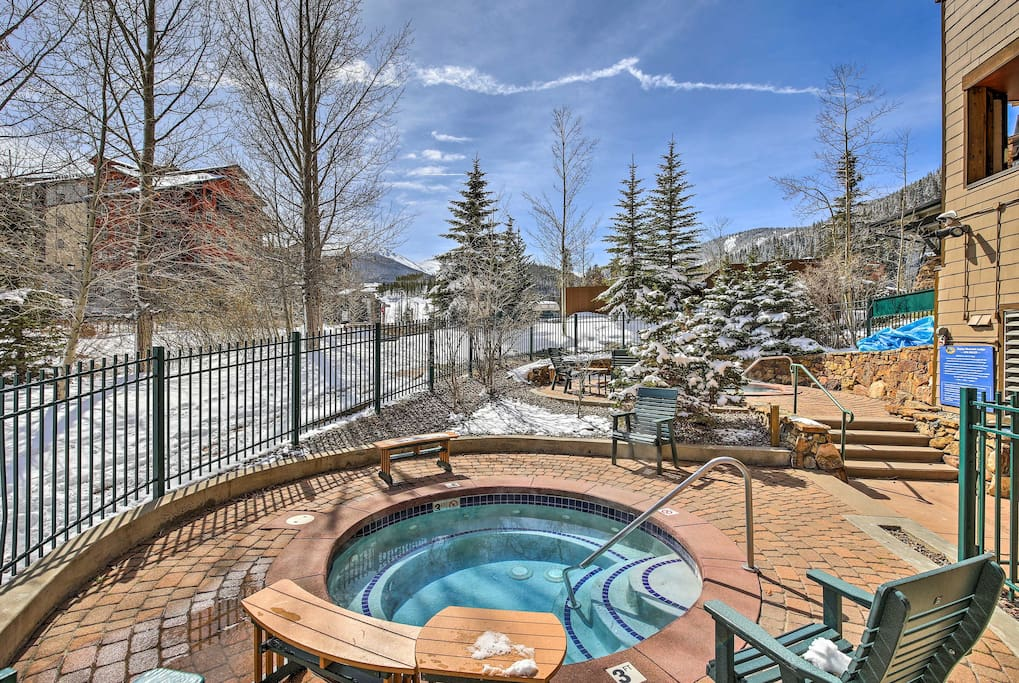 Enjoy access to the amenity-filled Zephyr Mountain Lodge!