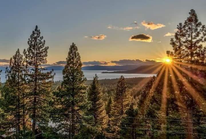 Lake View | Mountain Views | Romantic Master Suite