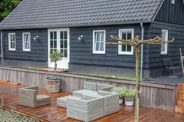 Kamer 1 aan de Kromme Rijn 'in t buiten v Utrecht'