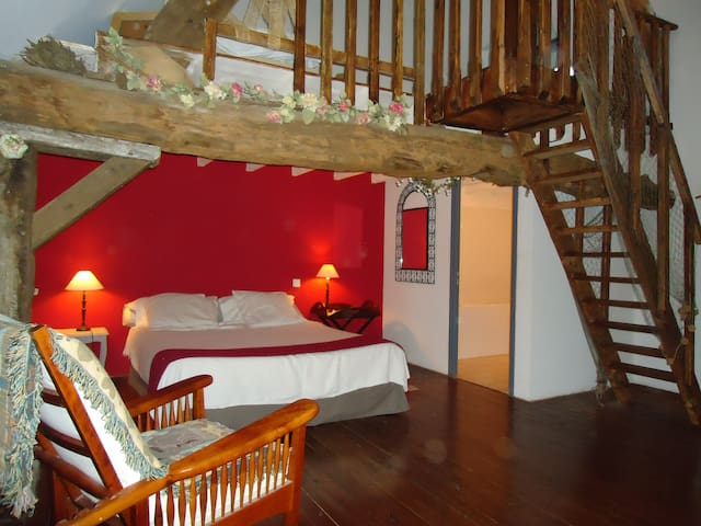 Charming guest-house in Broceliande - Iffendic - Bed & Breakfast
