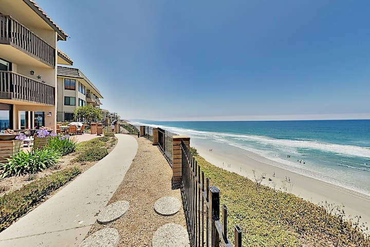 Immaculate Beach Condo w/ Pool, Hot Tub & Balconies