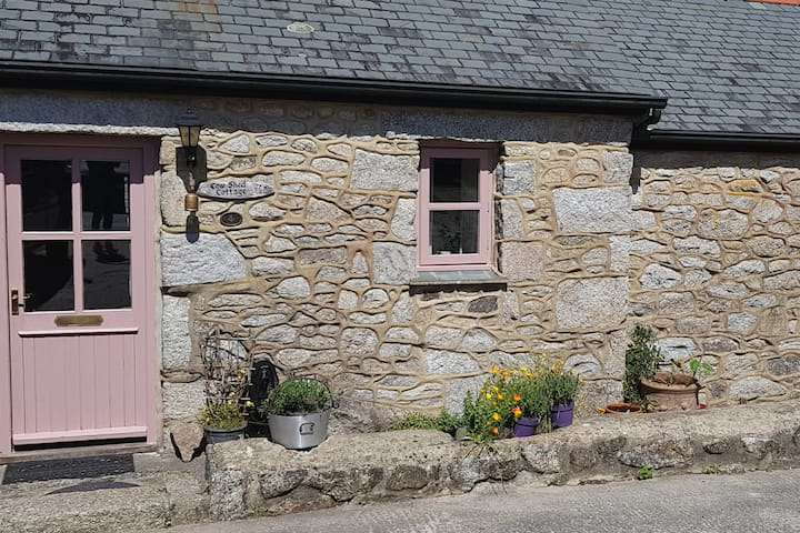 Cow Shed Cottage, Mabe, Falmouth Cornwall