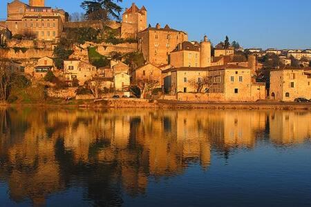 Lot - Medieval French Village Charm - Puy-l'Évêque
