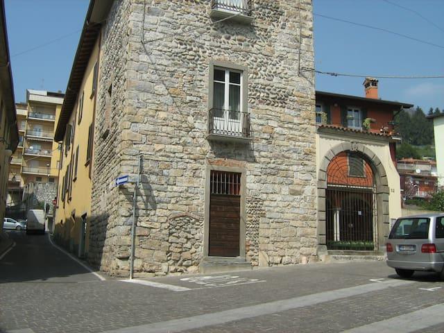 Cosy,  BedSit  for  short  stay  - Alzano Lombardo - Daire