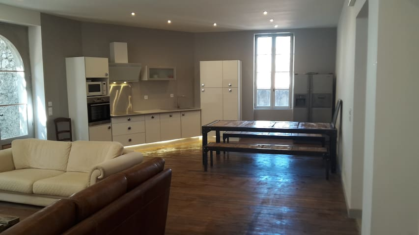 120 m² au coeur du vieux village, Netflix - Donzère - Apartment