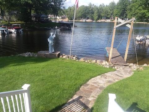 Lady liberty on the lake