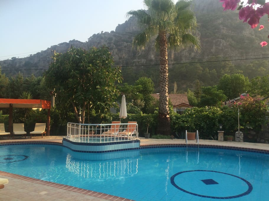 Salz Swimmingpool plus Whirlpool