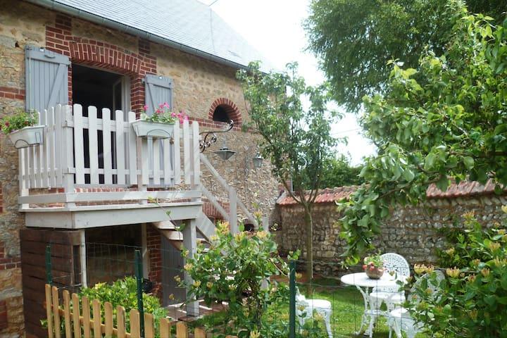 """Gite Le """"Cottage des Oliviers"""""""