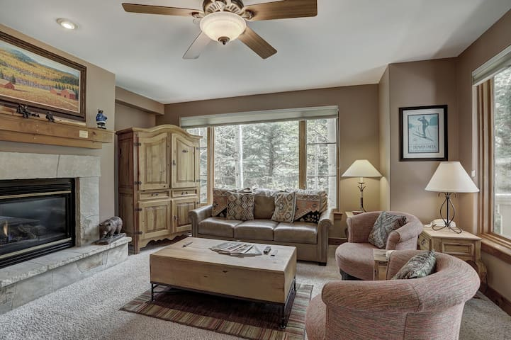 2Br- Arrowhead Village- Great Location and Gorgeous Condo
