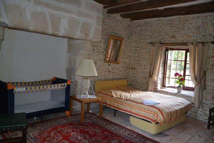 Château de l'Isle Mauvières - Mauvières - Linna