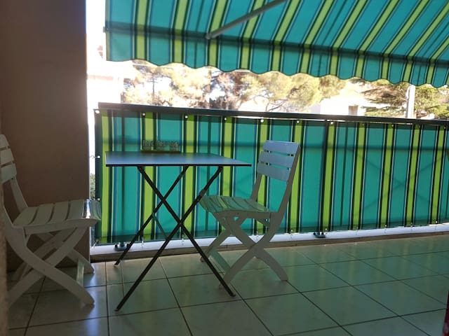 St Aygulf chambre au calme proche mer et commerces - Fréjus - Bed & Breakfast