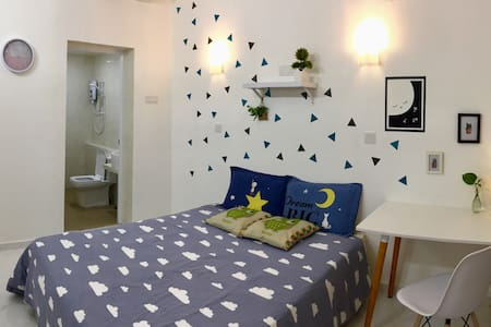 Bright Basic Room @Ground Floor #Private Bath