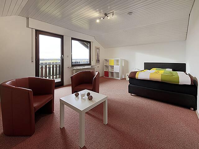 Ferienwohnung Schwarzwaldblick, (Nagold), Ferienwohnung 64qm, 2 Schlafzimmer, max. 4 Personen