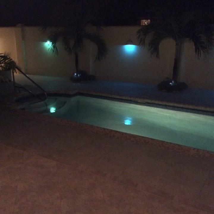 Comfy Modern Apt with Pool Near Beach🏝