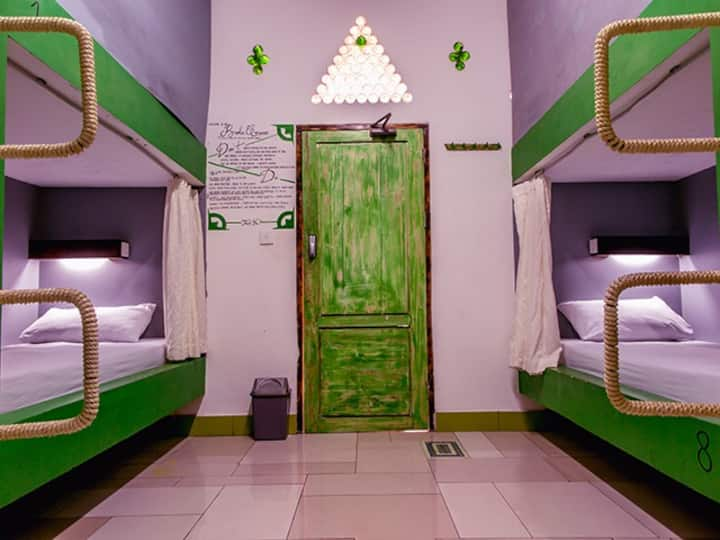 Broken Compass Dorm Rooms Gili Trawangan