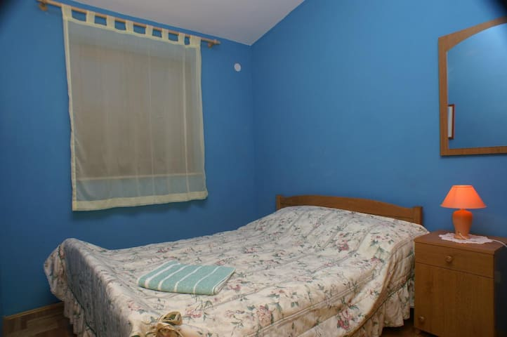 Bedroom 2, Surface: 8 m²
