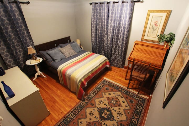 Private Room 2 / double / Junction Village Guelph