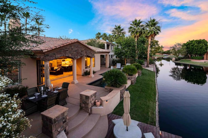 Ritz Ocotillo Home, Heated Pool included in price