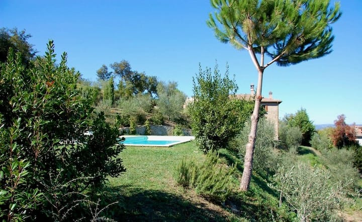 Villa San Savino with pool, two houses for two families, San Savino apartment 2
