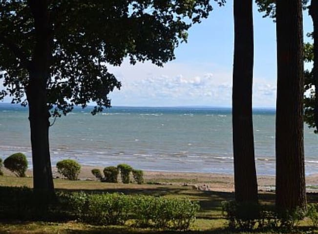 Gorgeous House on Crescent Beach! - Fort Erie - Rumah
