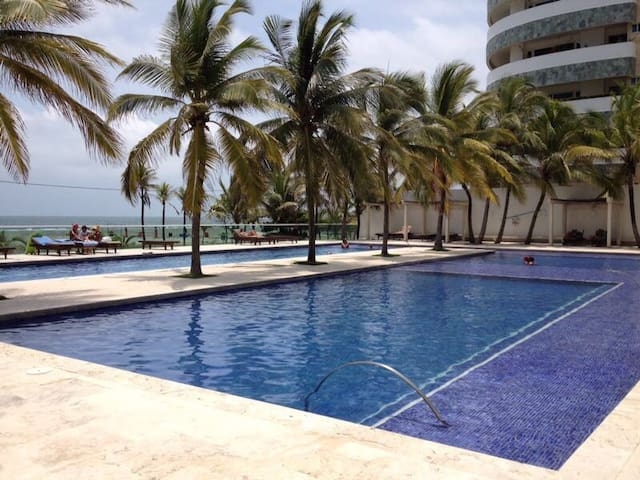 Beautiful condo on beach for four people