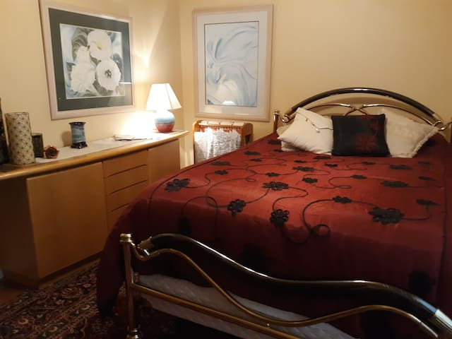 Cozy Room (Round Top/Burton/Brenham/Chappell Hill)