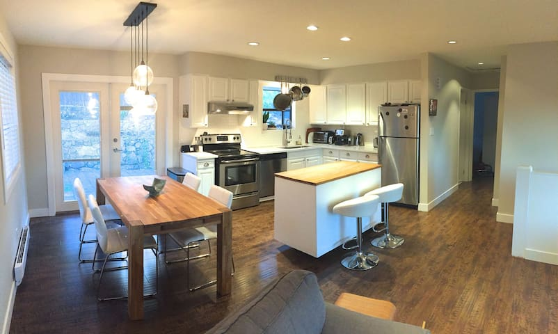 Cozy modern home in Newport Village, Port Moody - Port Moody - บ้าน