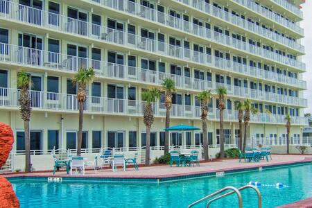 Daytona Beach Condo, Oceanfront Building, Sleeps 4