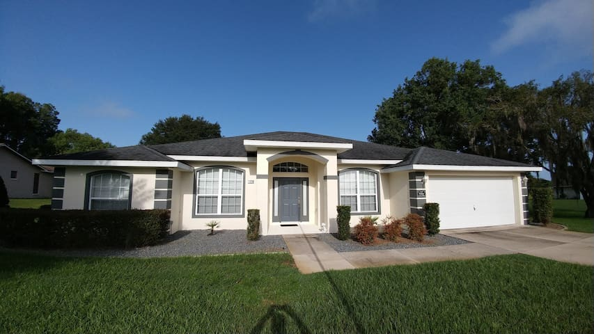 *NO GUEST SERVICE FEE* Amazing Pool Home with Golf View