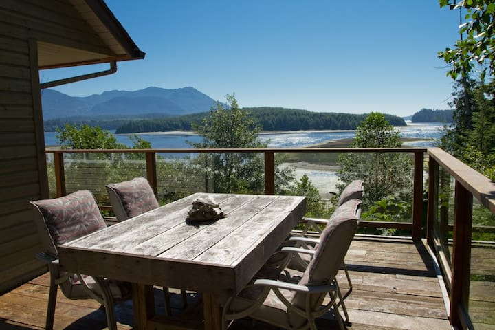Home near Pacific Rim National Park - Ucluelet - House