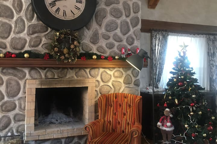 Mountain View Ski & Spa apartment with FiRePlaCe